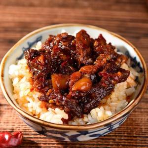 西藏散裝大桶牛肉醬 供應商 價格 正宗 自制香辣醬廠家直銷