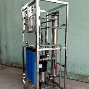 平度商用0.5吨纯净水设备批发,配套刷卡系统(JF水处理)