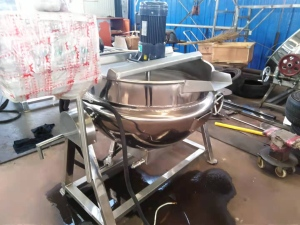 电加热不锈钢300L可倾搅拌夹层锅/加热管分档控制
